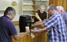 Thurnau17 bier zapfen
